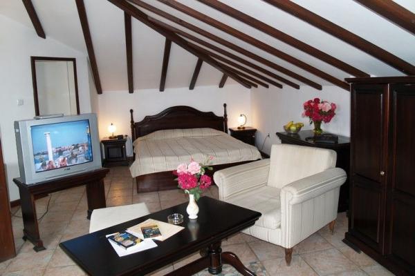 Hotel_Victoria_Nessebar_suite
